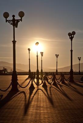 Утренние тени утро, тени, Новороссийск, набережная