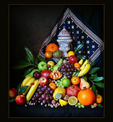 Фруктовый Олимп натюрморт гора фруктов разные фрукты бананы гранат виноград апельсин