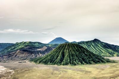 Volcano land Bromo Indonesia Volaco