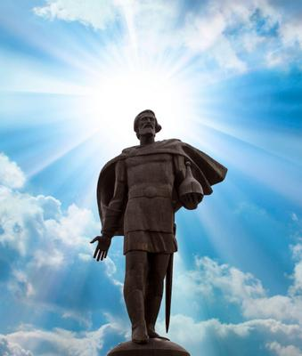 Памятник Александру Невскому александр невский памятник солнце небо облака