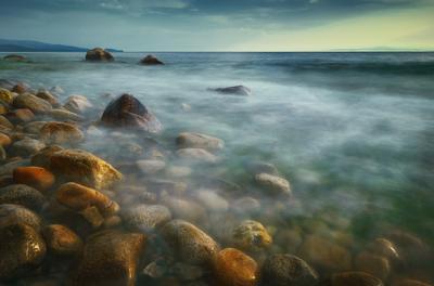 Воспоминание о лете Байкал камни закат
