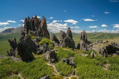 Зубы дракона Алтай скалы путешествие поход