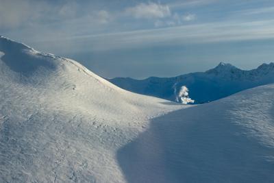 Камчатка. На краю света камчатка снег горы дым люди конец земли