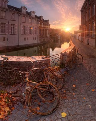 Brugge : rusty sunrise Брюгге Бельгия Brugge Belgium Gouden Handrei панорама EGRA ЕГРА