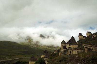 Некрополь Даргавс, Северная Осетия. Родовые склепы
