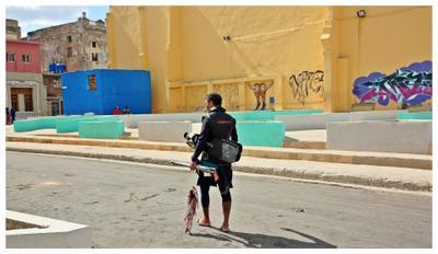 el pescador de Habana cuba la habana vieja libre isla bonita malecón pescador