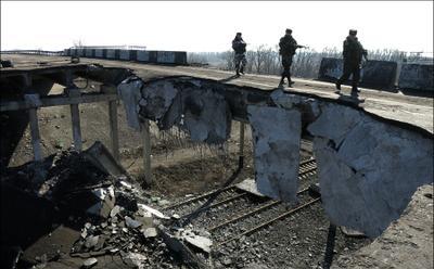 На мосту в Дебальцево Дебальцево ЛНР ДНР Новороссия АТО ополченцы сепаратисты