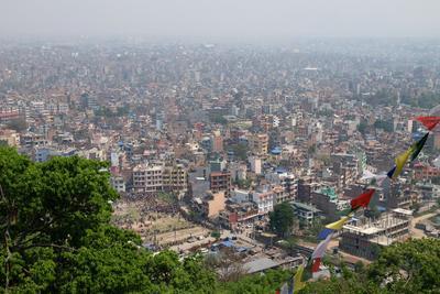 *Пыльный город Катманду Непал Катманду непалки-непальцы Сваямбунатх