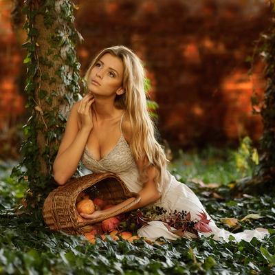 ...in the garden ivy apple garden woman