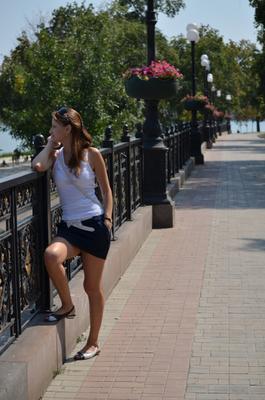 ***Учись находить в жизни радость девушки женщины красавица красота лето любовь молодость прогулка