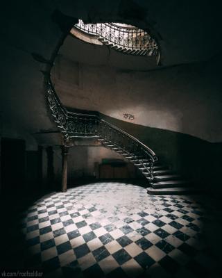 Парадные Тбилиси Тбилиси Грузия путешествие архитектура город городской пейзаж iphone 12 pro интерьер парадная лестница подъезд urban