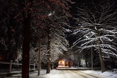 Тиха январская ночь на курорте зима снег курорт