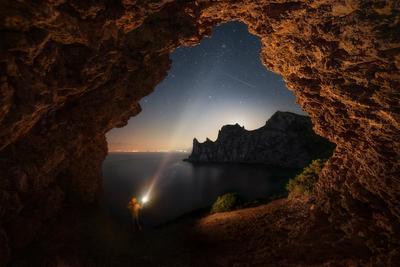 """""""Наблюдая звезды"""" звезды ночь караул-оба новый свет капчик пейзаж море горы фонарь"""