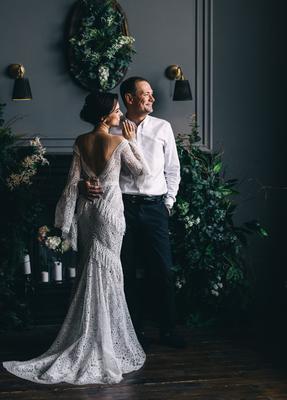 Улыбки в свете свадебное платье ведущие организаторы свадеб свадебный букет видеограф свадебная организация организатор
