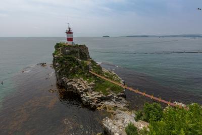 маяк Басаргина маяк море Владивосток мост