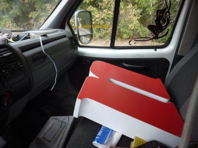 Аккорд везет вывеску вывеска рекламное агентство Аккорд accord-ra.ru в машине