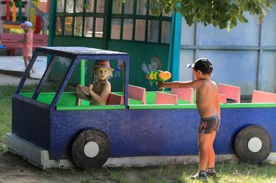 Нарушаете гражданочка скоростной режим... лето дети игра
