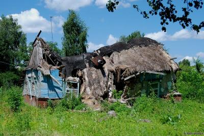 Низкий дом мой давно уж ссутулился Старый дом с соломенной крышей Бахчмач