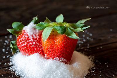 Клубника в сахаре ягоды виктория клубника садовая сахарный песок