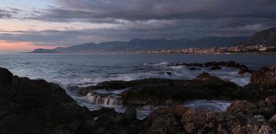 Алания море закат волны вечер город облака