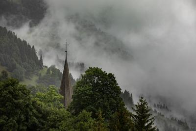 Венген, Швейцария пейзаж швейцария горы церковь