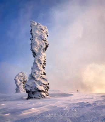 Ичет-Болваноиз - источник силы Пейзаж природа Урал зима ветер снег горы скалы останцы Мань-пупу-нёр Мань-пупы-ньер фотопутешествие фототур