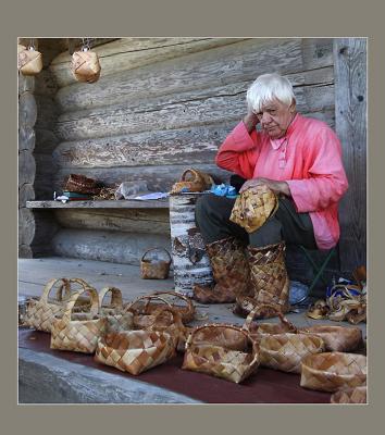 Новгородские ремесла... береза береста старик красота лапти старина