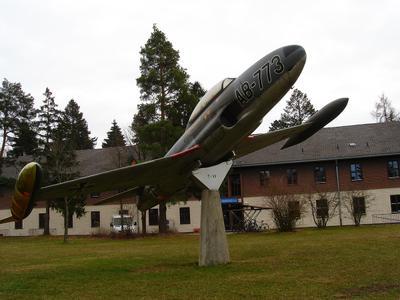 Учебный самолет Lockheed T-33A «T-BIRD» (другой ракурс) Учебный самолет Lockheed T-33A T-Bird