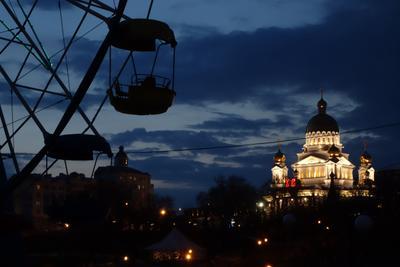 Ночной Саранск храм церковь ночь чертово колесо