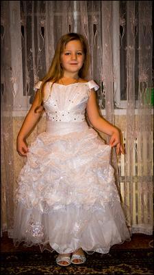 платье белое...