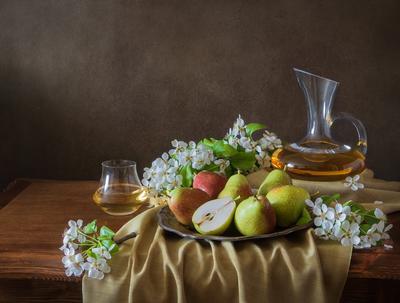 О цветках груши , её плодах и вине...