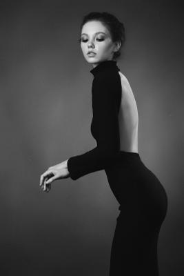 Превосходство красоты. портрет девушка красота гламур стиль черно-белое фото студия