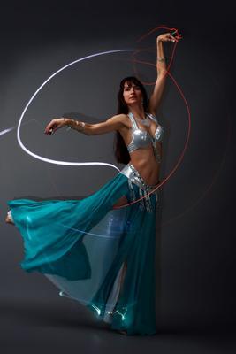 *** девушка огоньки танец