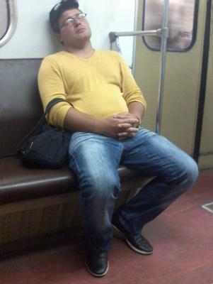 *сниф метро пассажир
