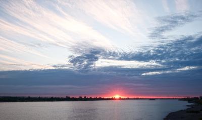 Лёгкий закат Сибирь Томь река закат облака