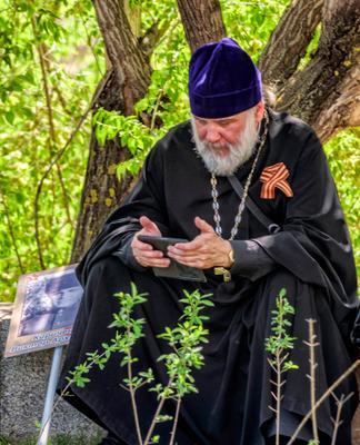 На связи с Создателем... священник телефон звонок