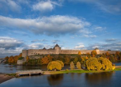 Крепость Ивангород крепость Ивангород река Нарова
