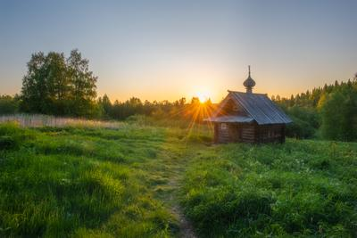 Начало нового дня Архангельская область рассвет белая ночь часовня Куртяево