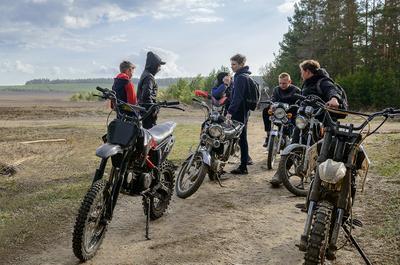 Подростки... Апрель подростки мотоцикл