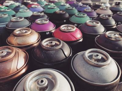 1970 баллоны краска процесс создание рисование артон хардкор кэп фото кадр снимок ракурс фильтр 1970 цвета ностальгия