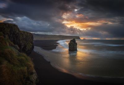 Утро на мысе Dyrholaey, Исландия Dyrholaey Исландия