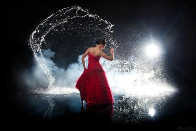 into the night flamenco aqua water drops fog flash