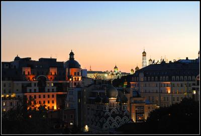 Вечерние купола Москва Кремль Храм Георгия Побеносца