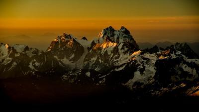 *** кавказ ушба горы рассвет зарево