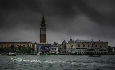 ***Дождливая Венеция в октябре.