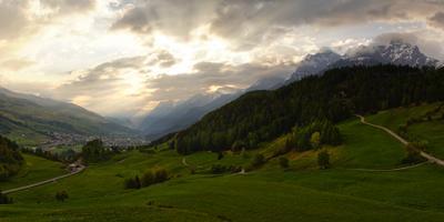 рассвет рассвет солнце лучи горы