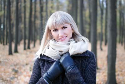 ***В лесу*** лес девушка портрет осень красота woman autumn beautiful