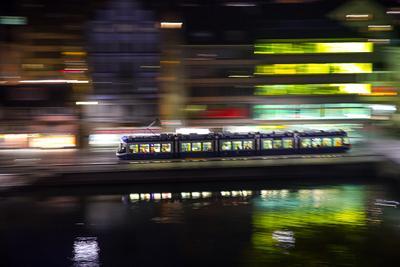 Цюрих_10 Цюрих Швейцария трамвай ночь
