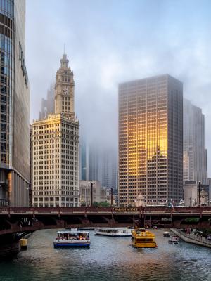 Когда уходит солнце и приходит туман Чикаго город вечер туман Chicago downtown evening river fog