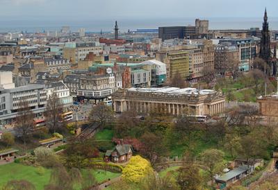 Весна в городе - Эдинбург Новый город Эдинбург Princes Street Gardens New Town Edinburgh